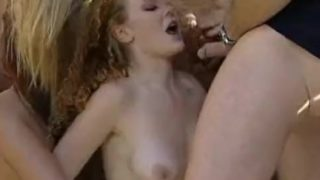 Audrey Hollander – Zoo gangbang