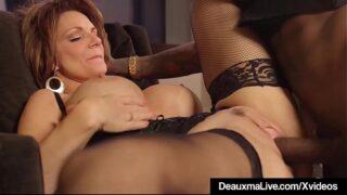 Deauxma Interracial: Cougar Cougar Busty با مرد مشکی نگهداری می کند