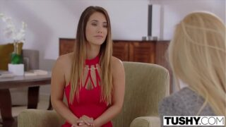 Eva Lovia has a lesbian sex session with her personal assistant